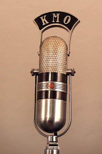 Microphone à ruban (ou à vélocité) RCA 77DX