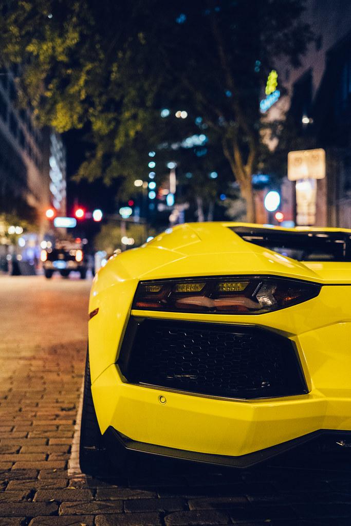 Aventador by night