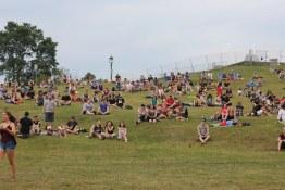 Crowds start to gather on the Plains of Abraham | Festival d'été de Québec