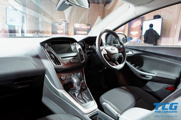 2015 Ford Focus Drive (29)