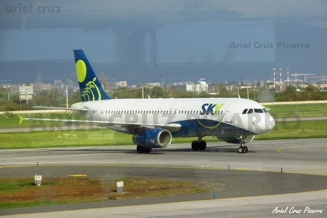 Sky Airline - Santiago (SCL) - Airbus A320 CC-ABW