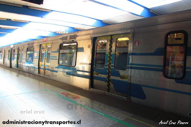 Metro de Santiago - Alstom NS2004 N2094 - Toesca (L2)