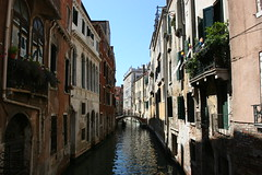 "Venice • <a style=""font-size:0.8em;"" href=""http://www.flickr.com/photos/77968807@N00/1321951526/"" target=""_blank"">View on Flickr</a>"