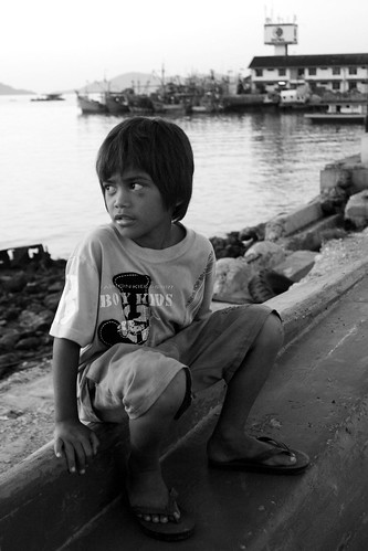 kid by harbor, kota kinabalu