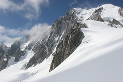"""Valle Blanche • <a style=""""font-size:0.8em;"""" href=""""http://www.flickr.com/photos/77968807@N00/1330404600/"""" target=""""_blank"""">View on Flickr</a>"""