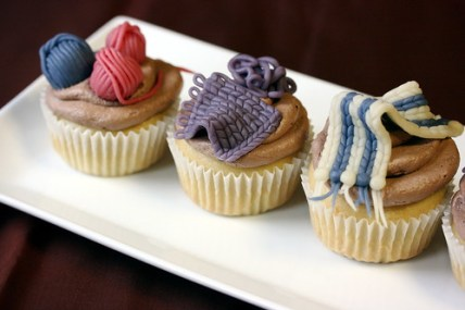knitting theme cupcakes