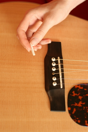 restringing guitar - 08