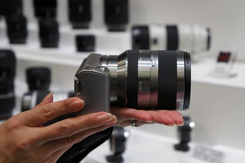 NEX-5 E18-200mm F3.5-6.3 OSS 01
