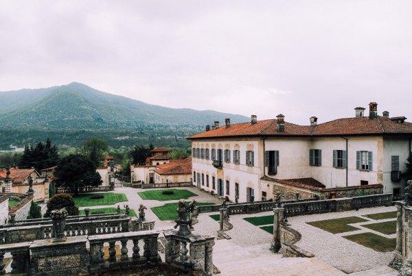 Villa della Porta Bozzolo (giardino + residenza)