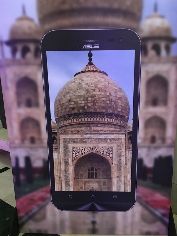 Billboard add of Asus Zenfone Zoom first look in Agra.