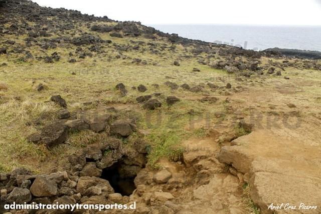 Ana Kakenga (Cueva 2 Ventanas) - Isla de Pascua