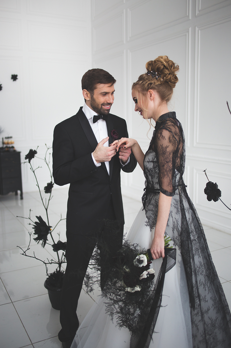 black white wedding dress magic black wedding inspiration wedding dresses black Black and white wedding dress for A Magic Black Wedding Inspiration Shoot Photo by Anastasia