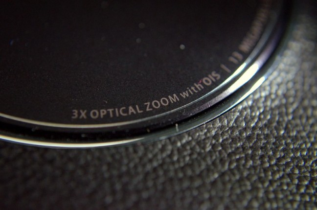 13 Mp Rear camera with 3X Optical Zoom and Image stabilization.