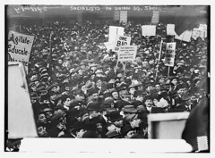 Socialists in Union Square, N.Y.C. [large crow...