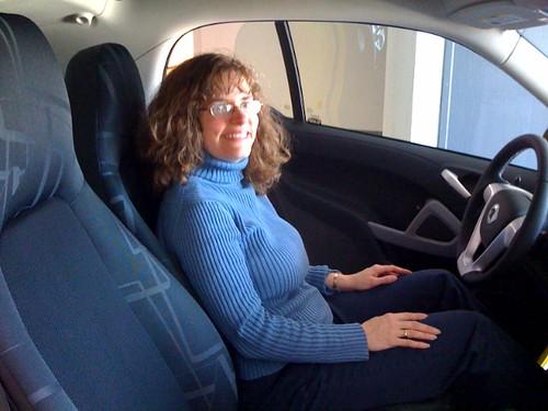 Stephanie & new smart car