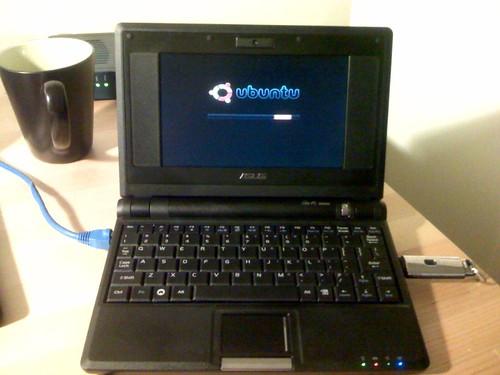 Ubuntu USB pen drive on the Asus Eee PC