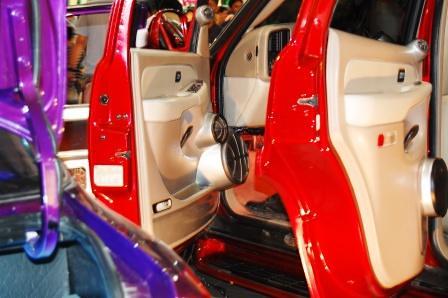 Chevrolet Tahoe by Kid Audio Front Door