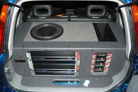 Incriminator Audio Honda CRV Warden Subwoofer