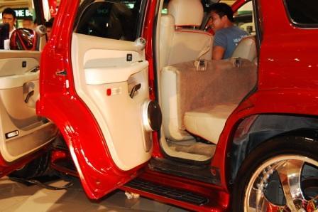 Chevrolet Tahoe by Kid Audio Rear Door