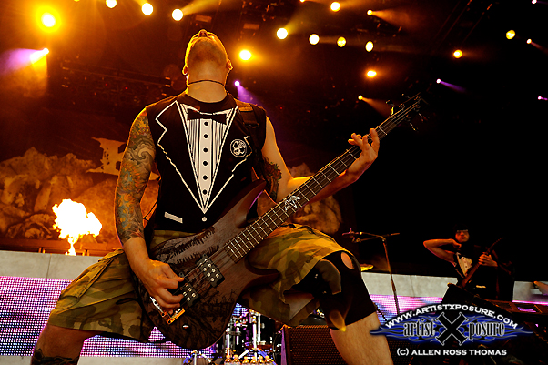 Mike of Killswitch Engage