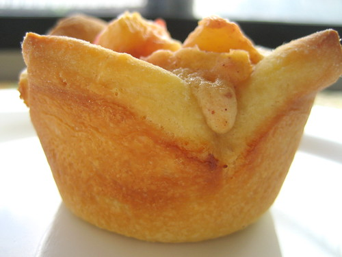 peach puff, side view