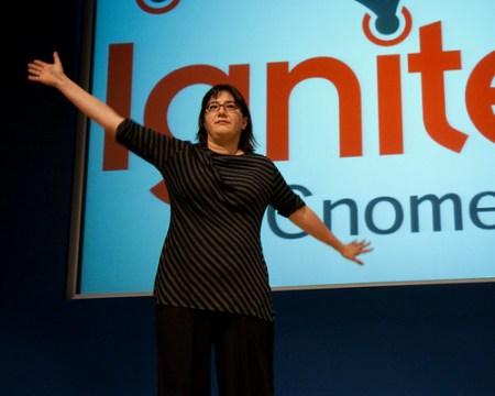 Betsy describes Bing's ad budget - Gnomedex 2009