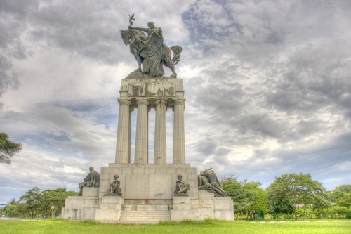 Monumento HDR