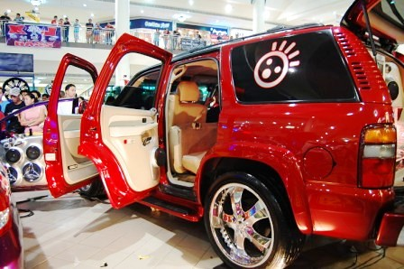 Chevrolet Tahoe by Kid Audio Bling
