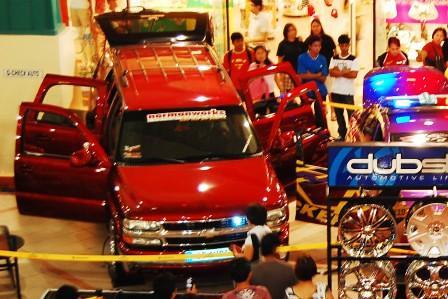 Chevrolet Tahoe by Kid Audio Top