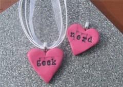 Geek_nerd_pink_necklace_L