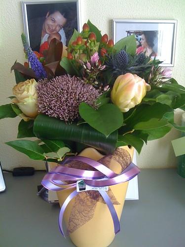 Boeketje bloemen van de baas gekregen voor het jubileren...