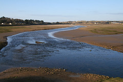 "Hayle Estuary - B3301 causeway view • <a style=""font-size:0.8em;"" href=""http://www.flickr.com/photos/30837261@N07/10723816583/"" target=""_blank"">View on Flickr</a>"