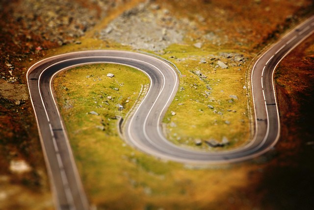 ~    Tilt-Shift Serpentine    ~~