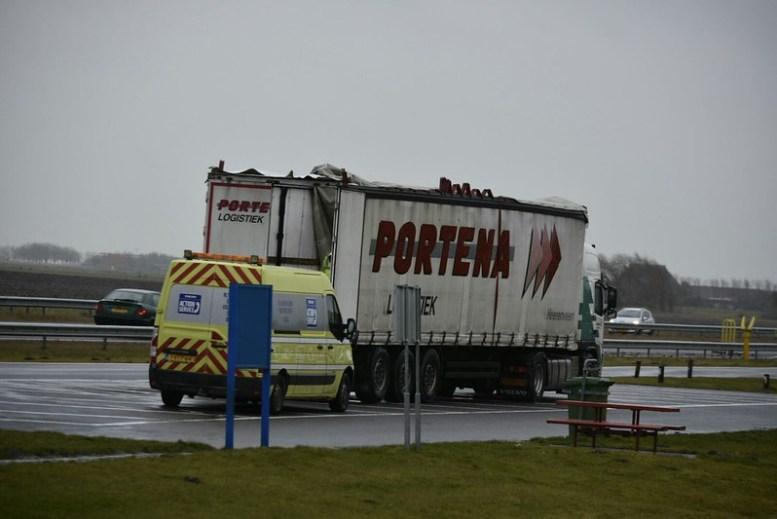 295cb71b-e1bc-473d-806d-197ffbb0f77d Portena schade vrachtwagen