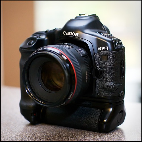 Canon EOS-1v HS film body