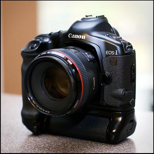 Canon EOS-1v HS film body