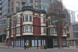 Homer St. Cafe & Bar