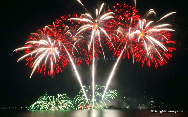 Philippine Pyromusical2014 Opening by Platinum Fireworks
