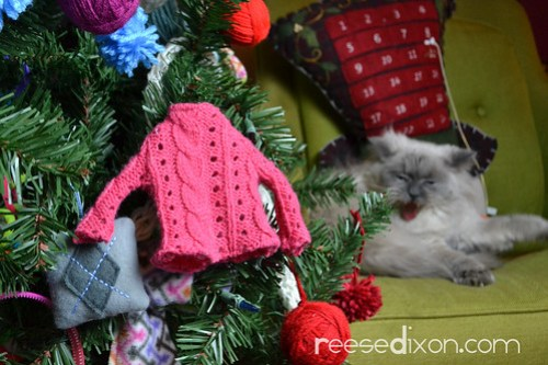 Miniature Sweater Ornament Tutorial