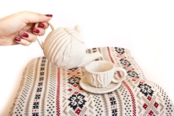 Knitted teapot and teacup