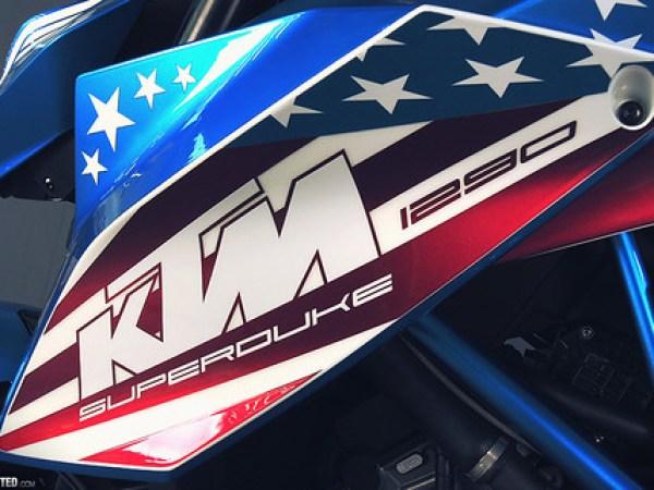 KTM 1290 Super Duke R Patriot Edition 03