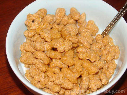 Kellogg's Rice Krispies Multi-Grain Shapes Cereal Closeup