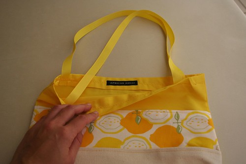 Finny and Donk Sew Along: August -September, tri-pocket tote