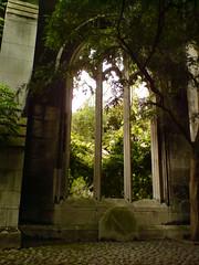 St Dunstan's arch