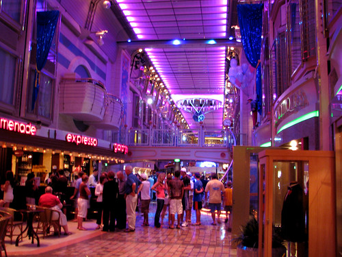 Mariner of the Seas Promenade