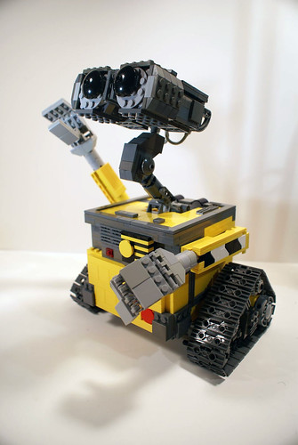 LEGO Wall-E by Joe Meno