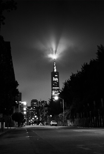 Crepuscular Transamerica (bw)