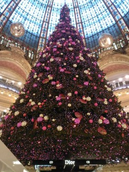 Christmas Tree in Galeries Lafayette!