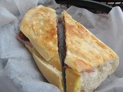 papi's cuban & caribbean grill: pan con croquettes jamon