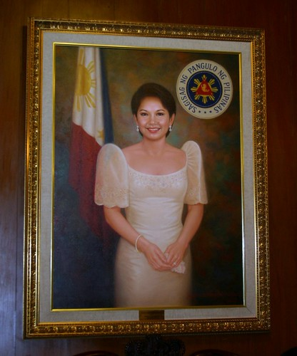 Painting of Pres. Gloria Macapagal Arroyo at the center of the left wall of the Gallery of Presidents.